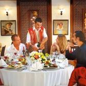 В ресторане. Глаголы  –  En el restaurante. Los verbos