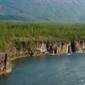 cliff - обрывистый берег