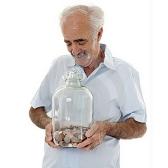 emeryt - пенсионер