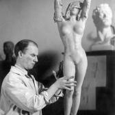 kuvanveistäjä - скульптор