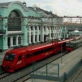 Dialoge: Gibt es einen direkten Zug nach Dresden? Есть  прямой поезд до Дрездена?
