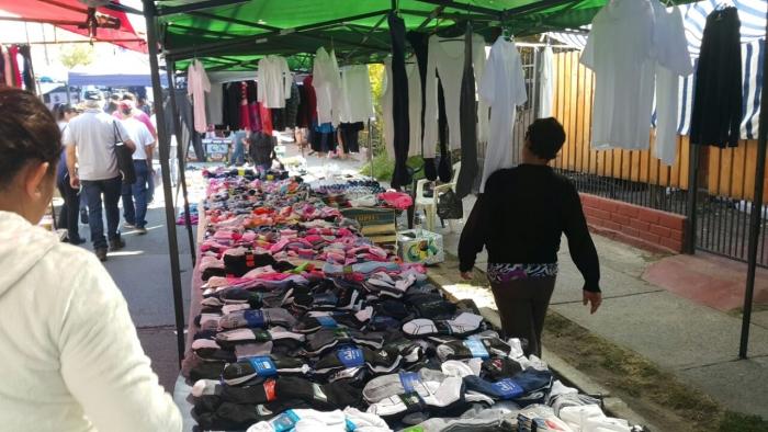 Чаще всего в хвосте ферии продается одежда и обувь