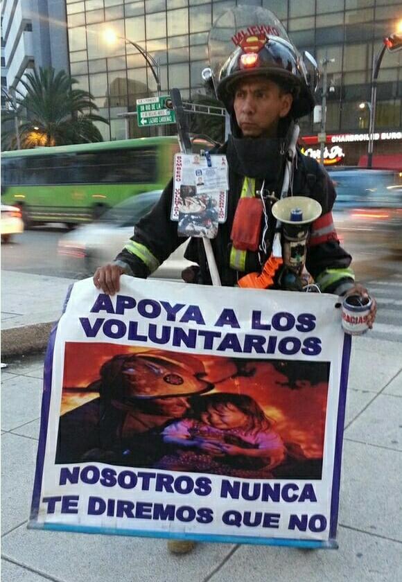 Пожарные в Чили