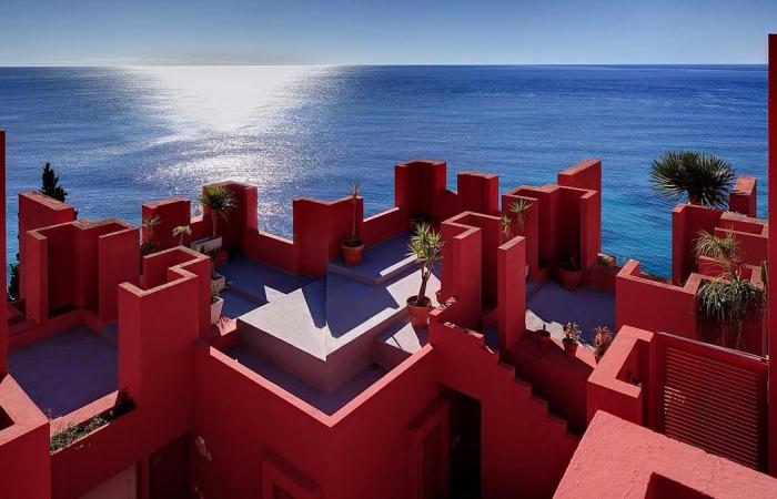 "La ""Muralla Roja"" (Кальпе, Аликанте)"